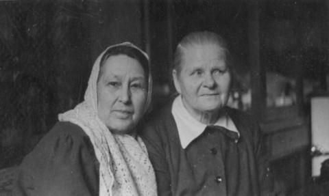 М.А.Бобринская и Ольга Никифоровна (Москва, на Трубниковском, 1960 год)
