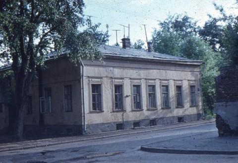Дом в Молочном переулке, где жила Е.М. Перцова (фотография начала 70 годов)