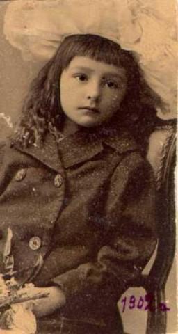 Моя мать - Ольга Александровна Грёссер. Москва, 1902 год.