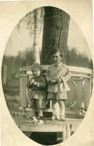 Сергей и Андрей Тутуновы (примерно - 1930 год)