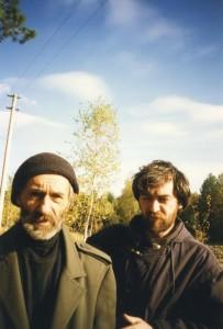 С А Тутунов и В С Тутунов (на даче в Песках, 1996 год)